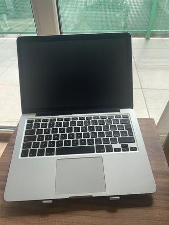 Macbook Pro 13 2015 8GB i5 2.7Ghz 128GB