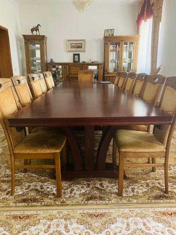 Продается стол раздвижной для гостиной комнаты