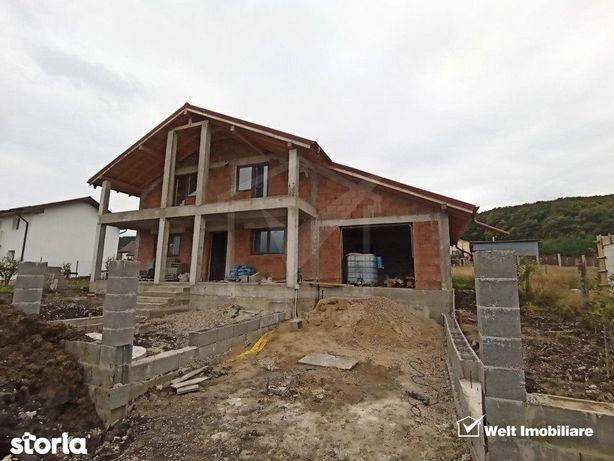 Casa 4 dormitoare, 2 bai, living, bucatarie, CT, garaj, beci, Chinteni