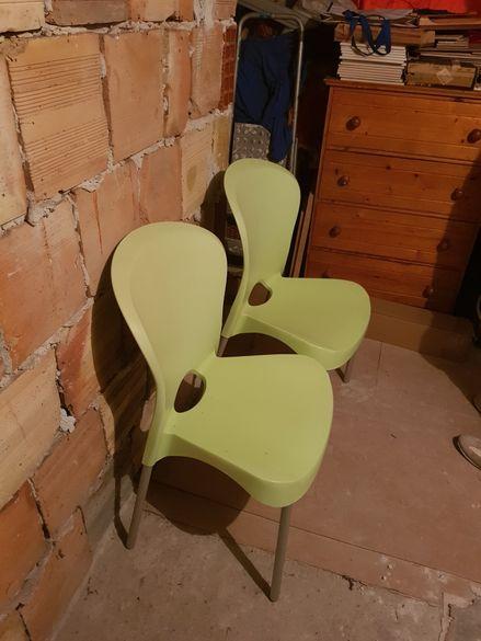 Столове 2 бр.