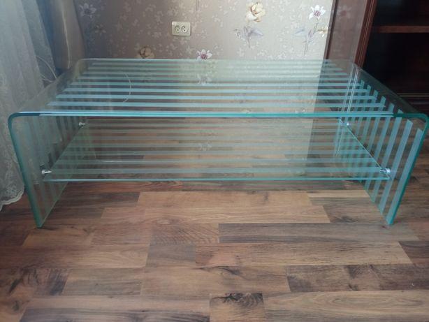 Журнальный стол, стеклянный