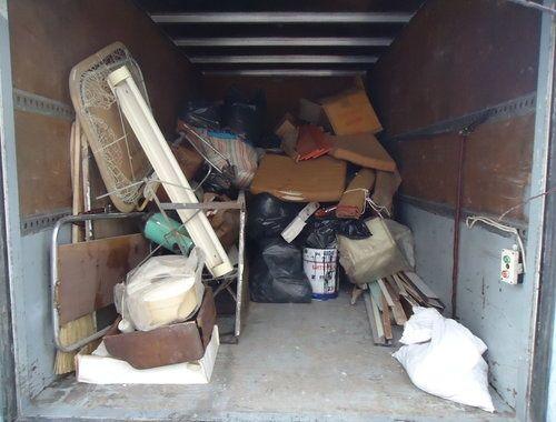 Почистване на апартаменти къщи гаражи и мазета и други хамалски услуги