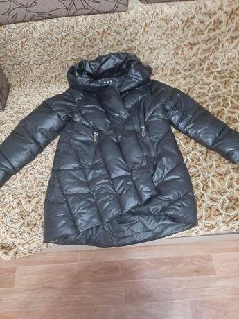 Продам женскую куртку 46 размер плюс куртка в подарок