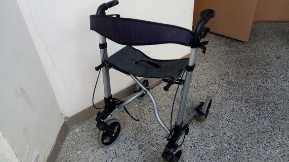 ролатор, помощна количка за възрастни под наем