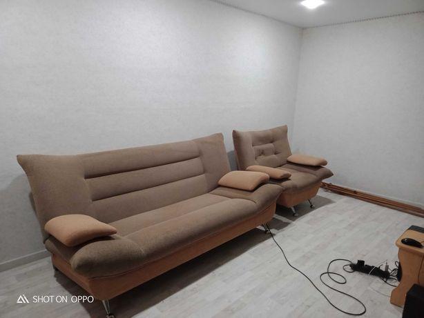 Диван + кресло б/у в хорошем состоянии