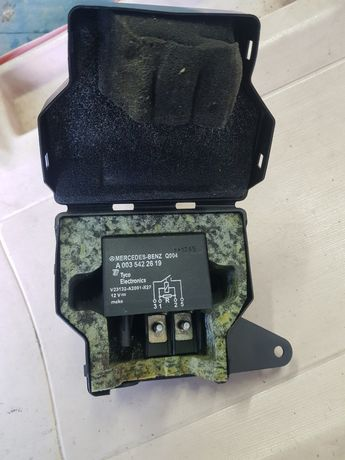 Releu baterie Mercedes 2.2 Cdi A 0035422619