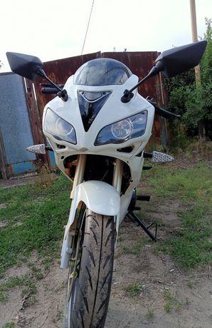 Мотоцикл патрон спорт 200