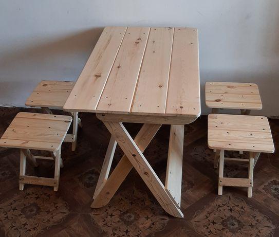 Стол раскладной со стульчиками новый из чистого дерева.