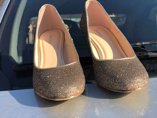Pantofi marimea 37