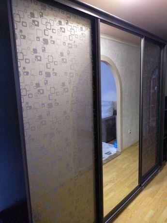 Продам шкаф со встроенной дверью для кладовки