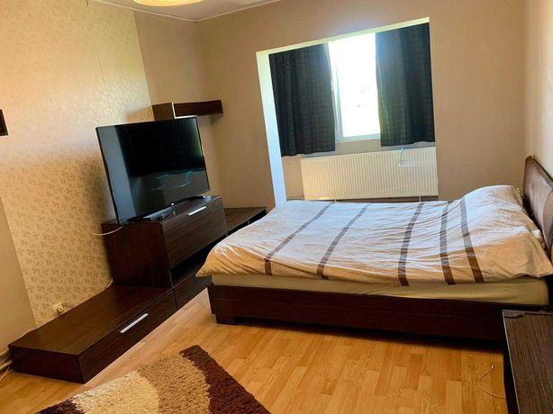 Închiriez apartament 3 camere decomandate