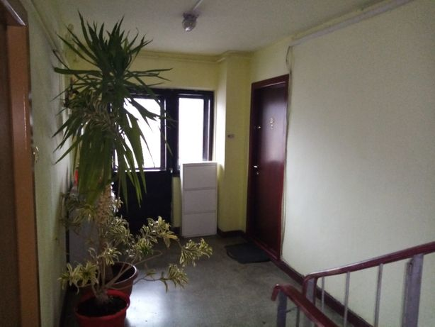 vand -SCHIMB CU CASA- apartament.. 1 cam 40.mp.et 4/5 str,dragos voda.