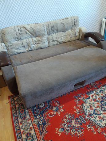 Продаётся диван в хорошем состоянии