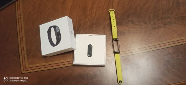 Vând Xiaomi Mi Band 2 + Curea Carbon