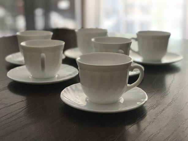 Чайный сервис, продам. Очень красивый.