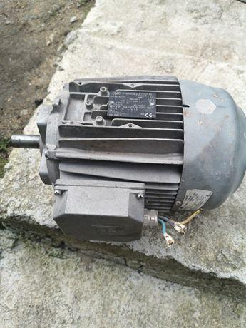 Трифазен електромотор