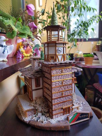Ръчно изработен макет на часовниковата кула в гр.Трявна