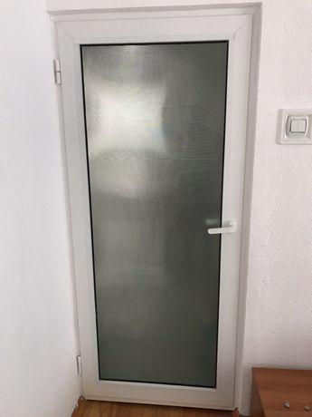 Usi de interior din aluminiu