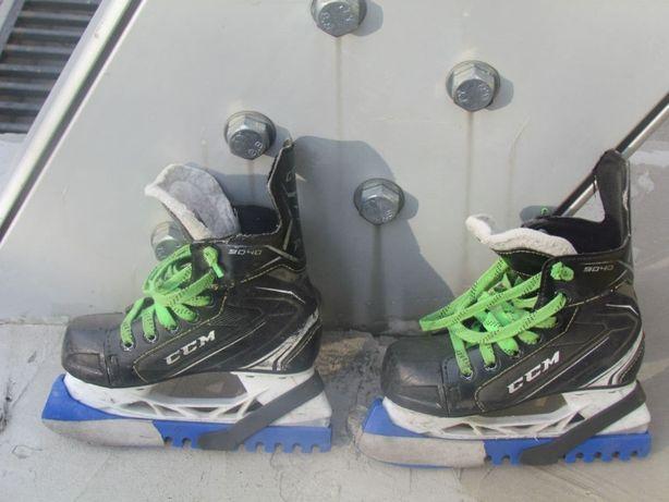 Коньки CCM(катание, хоккей)