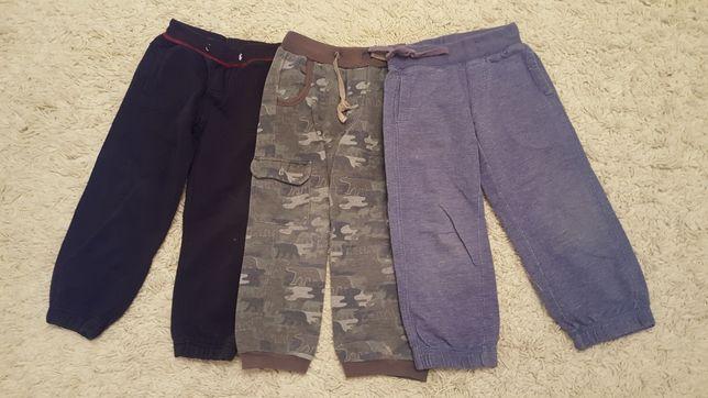 Спортивные  брюки для  мальчиков  4-5 лет