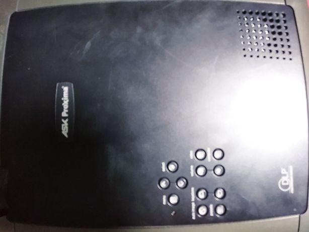 Продаю проектор Ask proxima c130