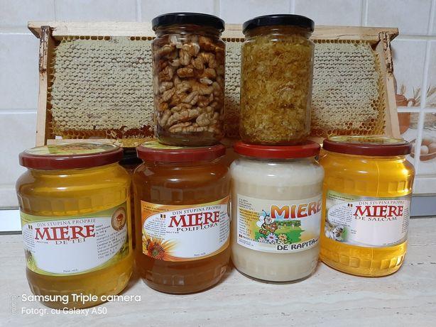Vând miere de albine naturală 100% direct de la producător