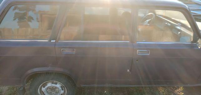 Продам машину 2001 года выпуска на 2 хозяина можно обмен