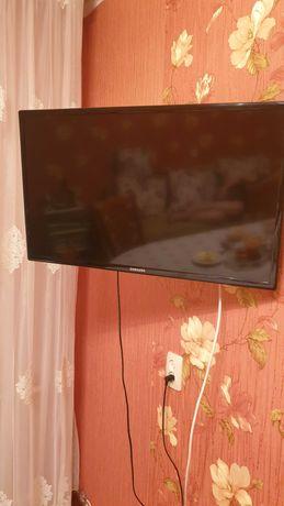 Продам телевизор б/у SAMSUNG + новый телевизор HARPER диагонали 81 см