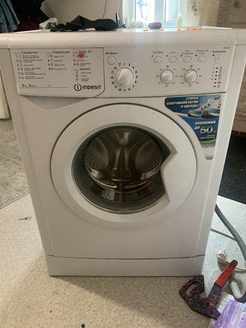 Продам стиральную машину .Требует ремонта.