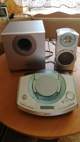 DVD Home Theater System. Sanyo DC-PT100,