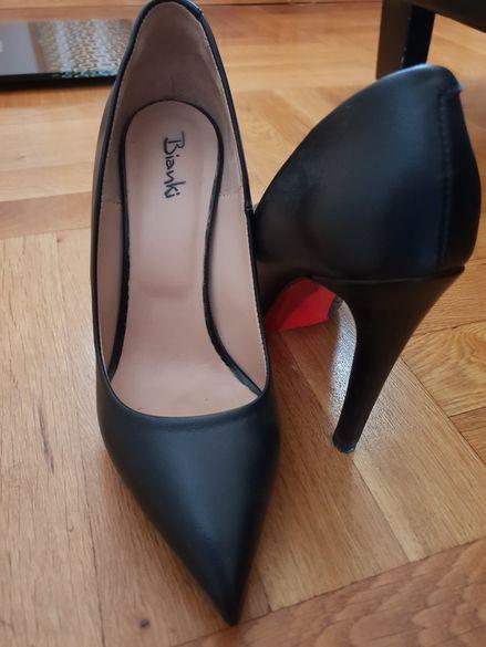 Дамски обувки,ботуши и сандали
