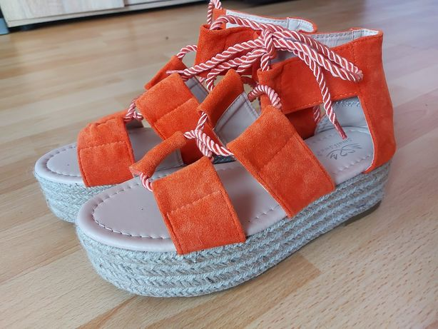 Sandale dama cu talpa groasă