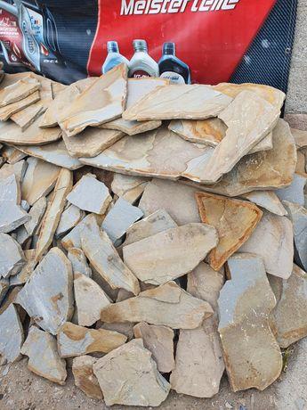 Vând piatră naturala