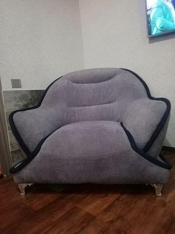 Кресло. 2 штуки.