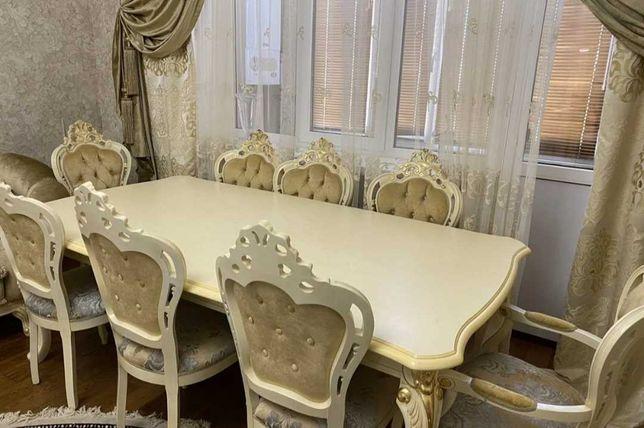 Продам мебель в гостиную стол