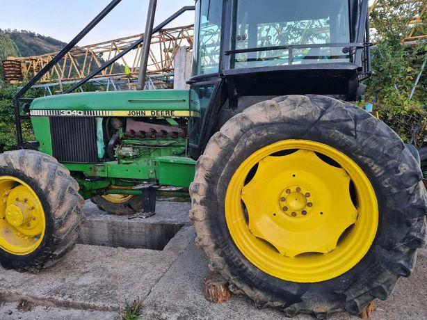 Tractor forestier John Deere 3040