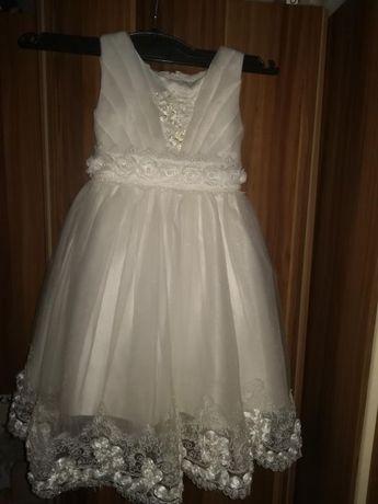 Superba rochiță alb ivoyre