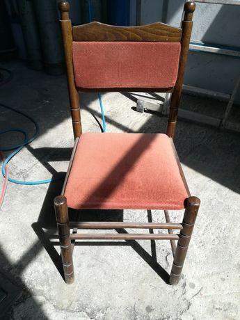 Продавам столове