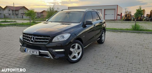 Mercedes-Benz ML Vând Mercedes ML 350 Impecabil