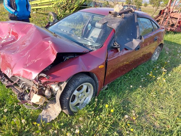Dezmembrez Mazda 323F