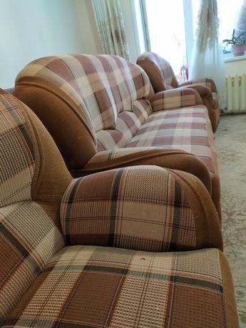 Продам мягкий диван +2 кресло