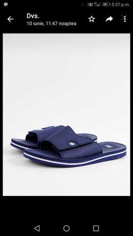 Papuci Dunlop