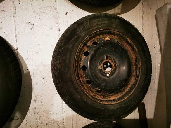 Продавам джанти с гуми