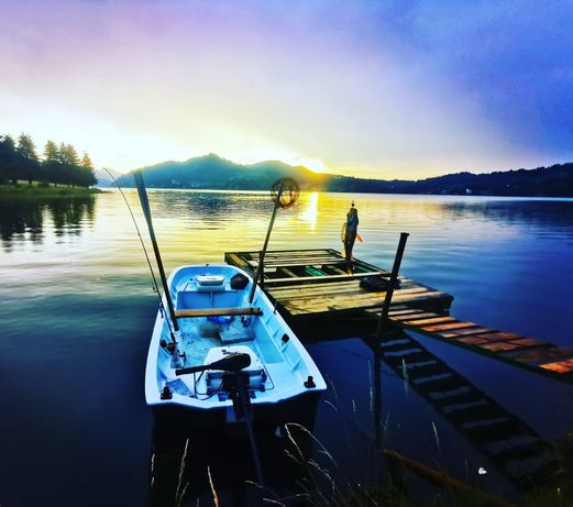 Barca pescuit trimaran +motor electric 55lbs+peridoc inmatriculat