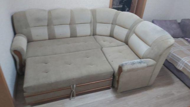 Срочно продаю диван и кресло