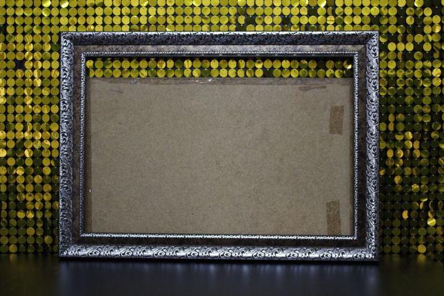 Срочно продам рамку (багет) для картины или фото