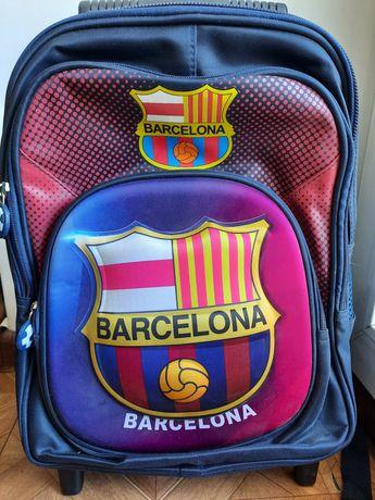 Рюкзак на колёсиках новый