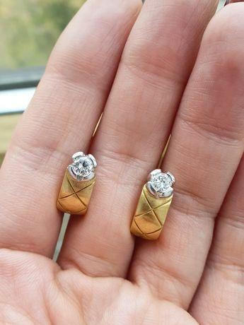 Серьги с бриллиантами по 0,25 к. Италия.