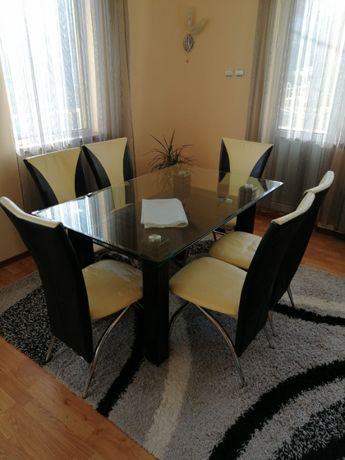 Две стъклени маси и 6 стола