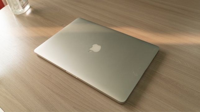 Продаю MacBook Pro 256GB (Mid 2015,Retina, 15-inch) 2017 года